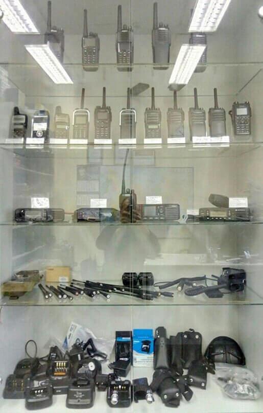 Витрина магазина Радиосвязь СПБ